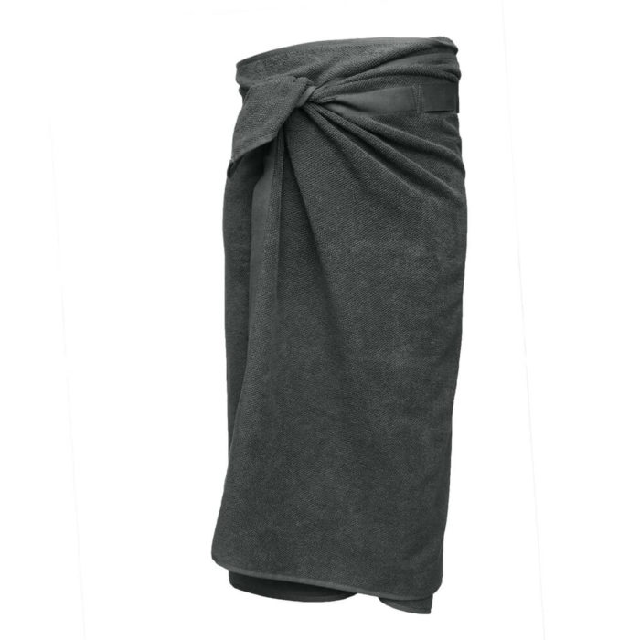 These organic terry weave large bath towels are designed to give you both comfort and functionality with their clever wrap style. Seen here in dark grey. Use this large terry cotton wrap around towel as large bathroom towels, as beach towels or beach blankets, or as a gym towel. 160 x 75 cm, 100% ethically made GOTS certified organic cotton Weaving: Terry, grosgrain ribbon