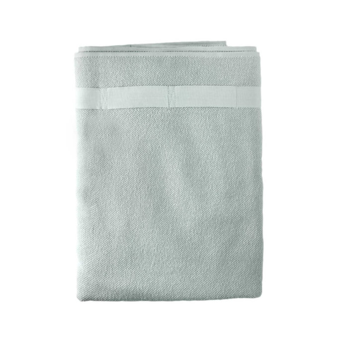 These organic terry weave large bath towels are designed to give you both comfort and functionality with their clever wrap style. Seen here in sky blue. Use this large terry cotton wrap around towel as large bathroom towels, as beach towels or beach blankets, or as a gym towel. 160 x 75 cm, 100% ethically made GOTS certified organic cotton Weaving: Terry, grosgrain ribbon