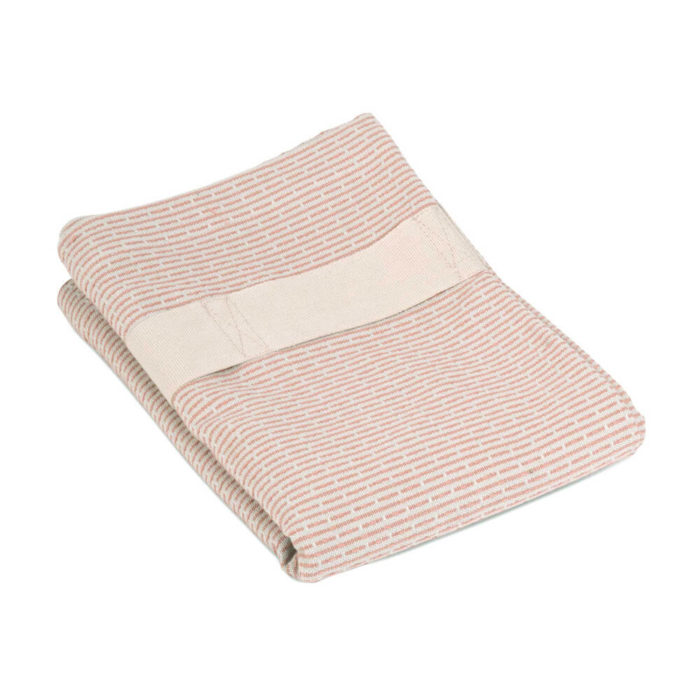 Organic cotton hand and hair towel with a strap for hair wrap functionality, if you'd like to use it a hair turban towel. As well as an ethically made hair towel, it's also a conveniently sized guest towel. Seen here in rose. The hand and hair towel wrap is part of the Organic Company wellness series. Material: 100% GOTS certified organic cotton Weave: Piqué Size: 120 X 40 cm