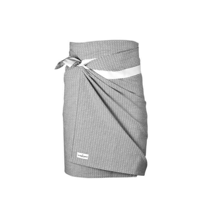 Wrap around towel, compact and quick drying as bath towels or beach towels. It's extra long to comfortably wrap around you, using the integrated strap. Available in several minimalist colours (this is morning grey). 155 x 60 cm Made from 100% GOTS certified organic cotton Weaving: Piqué, grosgrain ribbon.