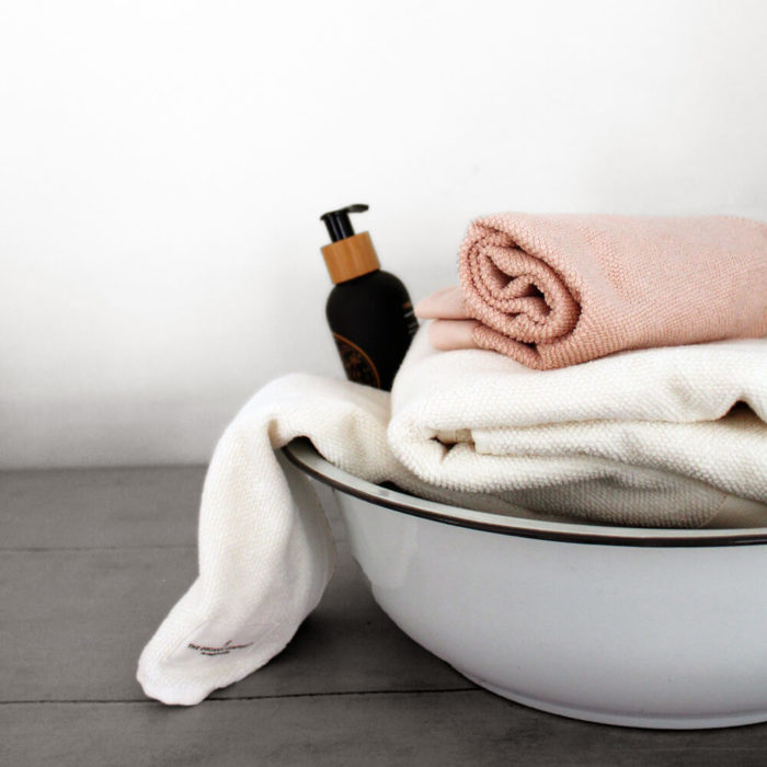 These organic terry weave large bath towels are designed to give you both comfort and functionality with their clever wrap style. Available in several colours, designed to mix and match. Use this large terry cotton wrap around towel as large bathroom towels, as beach towels or beach blankets, or as a gym towel. Not to mention a beautiful touch to your natural home decor! 160 x 75 cm, 100% ethically made GOTS certified organic cotton Weaving: Terry, grosgrain ribbon