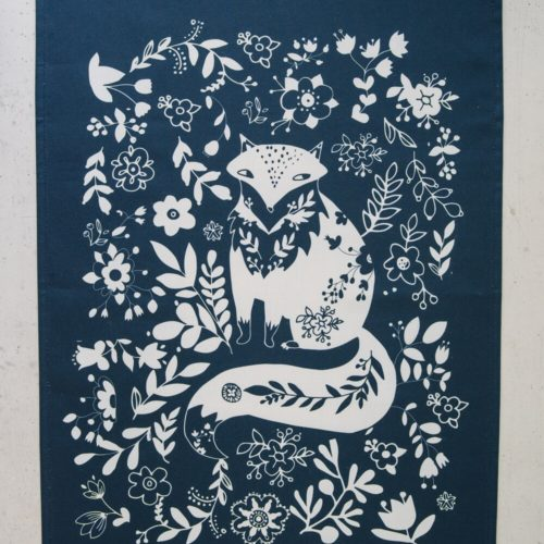 Animal print funky tea towel with a Fox design in sky blue. Washable cotton. Also available in other colours. Bring some life to your kitchen with these animal print tea towels!
