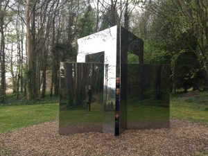 Reflective geometric Sculpture