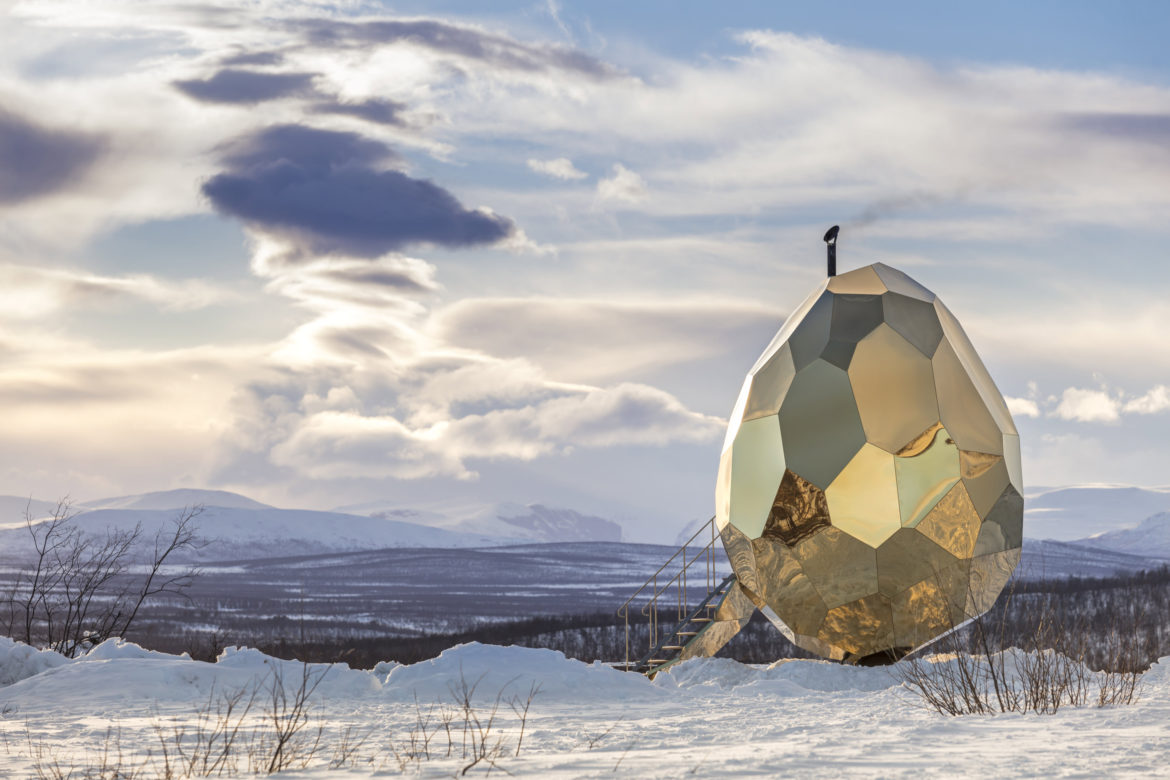 The outdoor sauna was specially commissioned for Kiruna as a place to bring the community together. A town displaced by the iron ore mining industry, the sauna is intended as a place to meet, socialise and discuss. The Solar Egg, perched in the spectacular northern landscape.