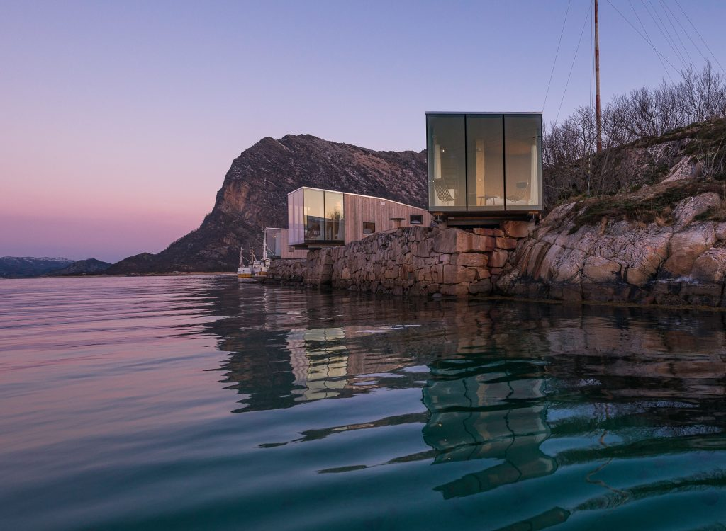 Norwegian cabin, giving you the tranquility of seeing what the season has to offer from your own glass pod.