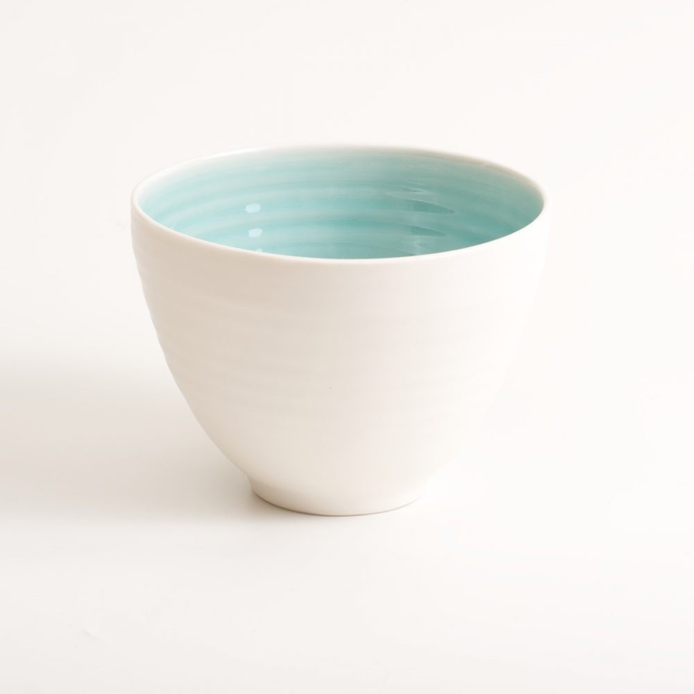 Handmade porcelain bowl turquoise medium. Hand-thrown with natural ridges. Beautiful on its own or as part of a mix and match set. Available in 3 sizes and 4 colours: Pink, blue, turquoise and grey. Please see other listings for sizes and colours. By Linda Bloomfield.