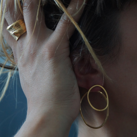 Magma earrings gold lifestyle