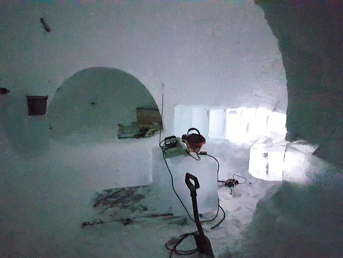 The lighting design in the ICEHOTEL Sweden is very different to other lighting projects, as only a small amount of lighting is needed to not make everything white.
