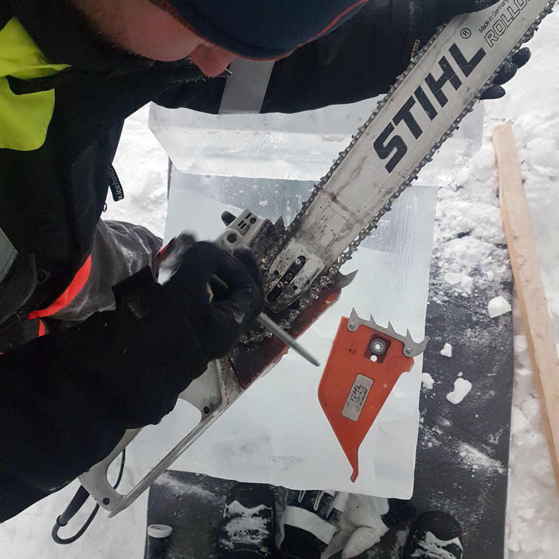Ice and cold temperatures can be a tricky combination, as the chainsaw stops working. Constructing the ICEHOTEL is not easy task!
