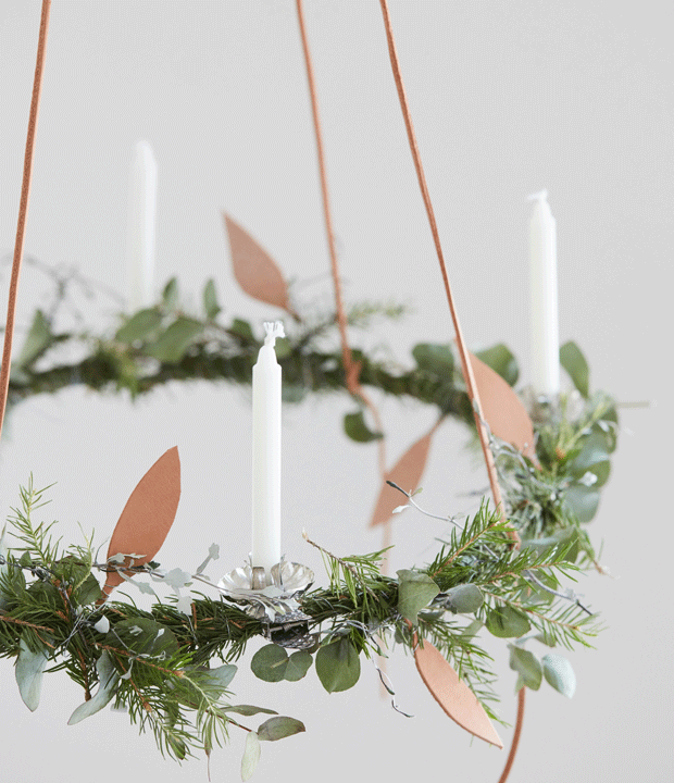 If you're running out of space in your home, why not hang your Christmas wreath above the dinner table? A beautiful statement for a Scandinavian Christmas