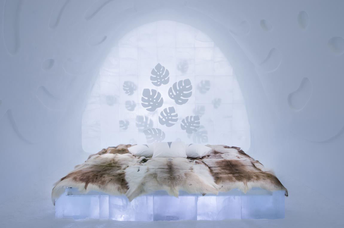 Monstera design as ice sculptures at ice hotel