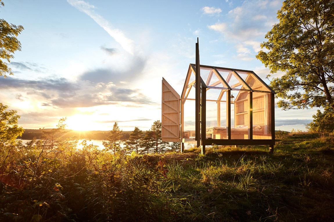 72 hour stress buster: Close to nature in a Swedish glass cabin on your own island. Read the full story on Chalk & Moss.