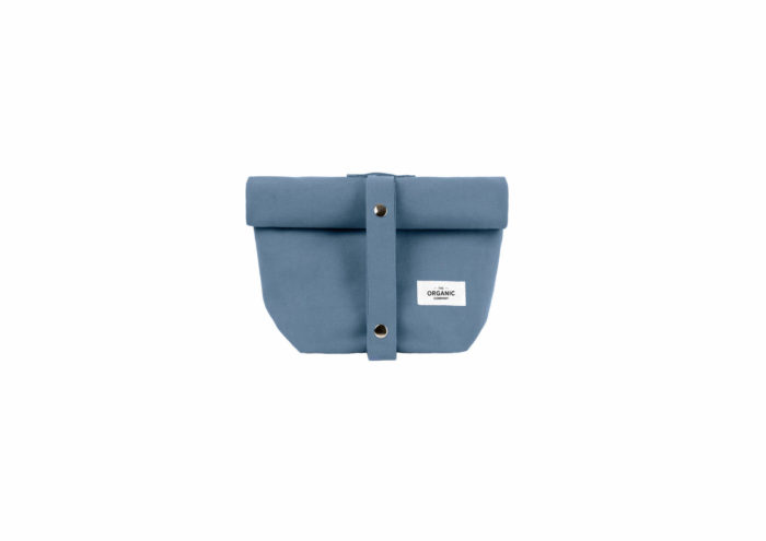 Eco lunch bag in heavy canvas, made by The Organic Company from 100% GOTS certified organic cotton. A reusable, ethical, washable and breathable alternative to plastic. Several earthy colours to choose from. Seen here in grey blue. 30 x 39 x 12cm