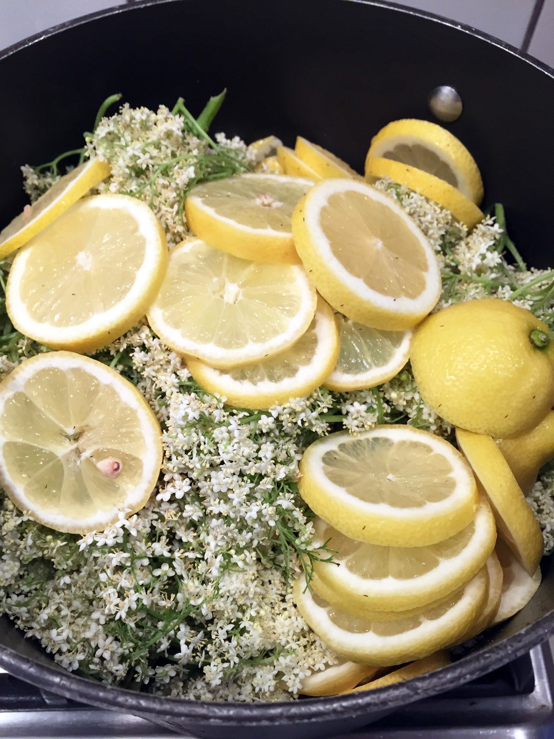 Leave the elderflower mixture to soak for 2-4 days. No cooking needed! Follow the easy steps from the Chalk & Moss blog.