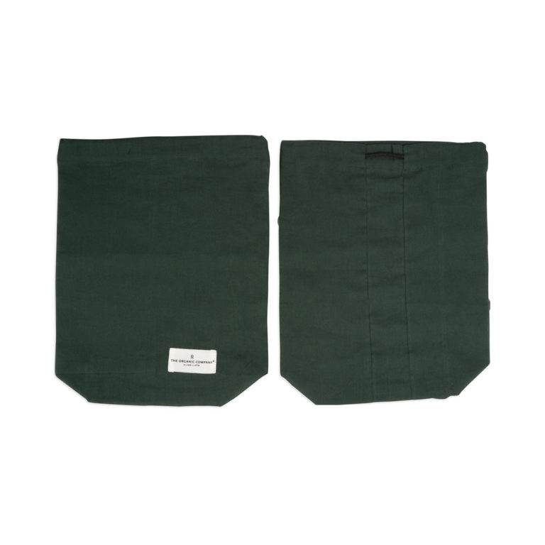 Food produce storage bag, keeping you away from plastics. Available in natural white or dark green in S/M/L (shown here in medium green). By The Organic Company on Chalk & Moss (chalkandmoss.com). Nature connected homewares for wellbeing.