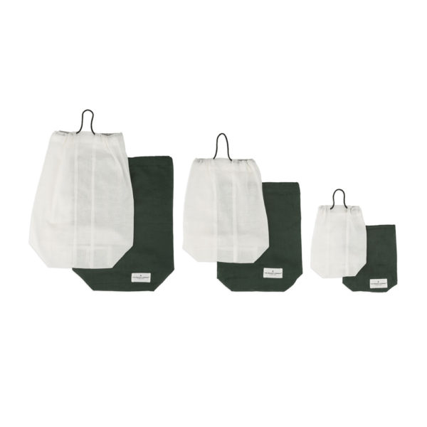 Food storage bag by Organic Company on Chalk & Moss. Available in white or green, and three sizes (small, medium, large)