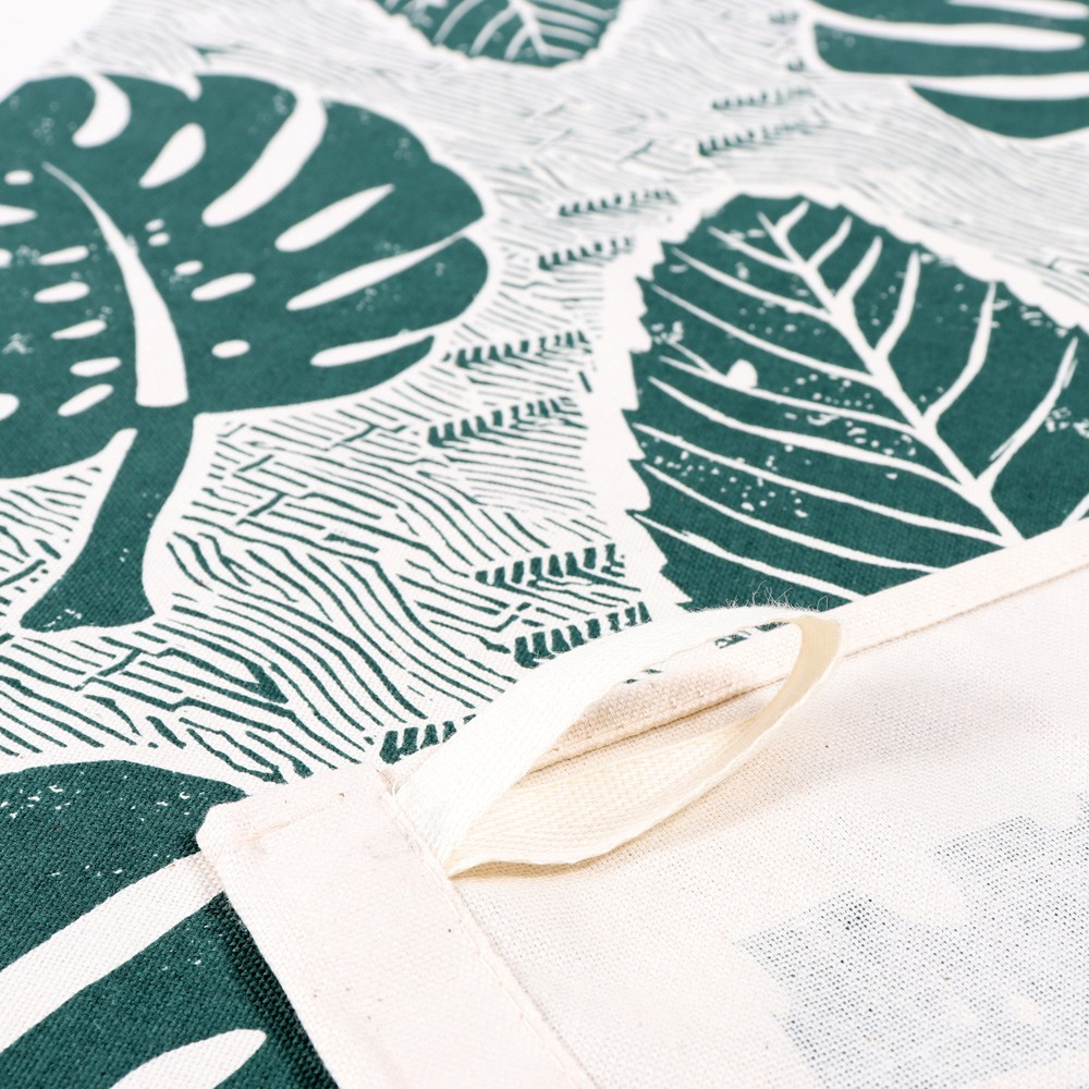 The large leaf green tea towel comes with a handy hanging loop. Screen printed in the UK. Design by Wald, sold on Chalk & Moss (chalkandmoss.com).