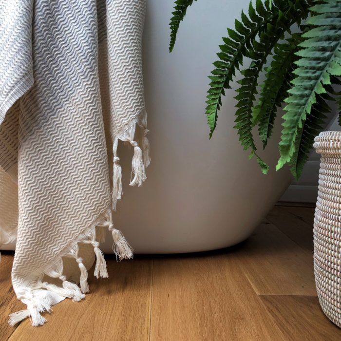Peshtemal hammam towel - the Lutti. Woven in fishbone pattern using natural cotton and non harmful dyes. Available on Chalk & Moss in 4 colours (chalkandmoss.com).