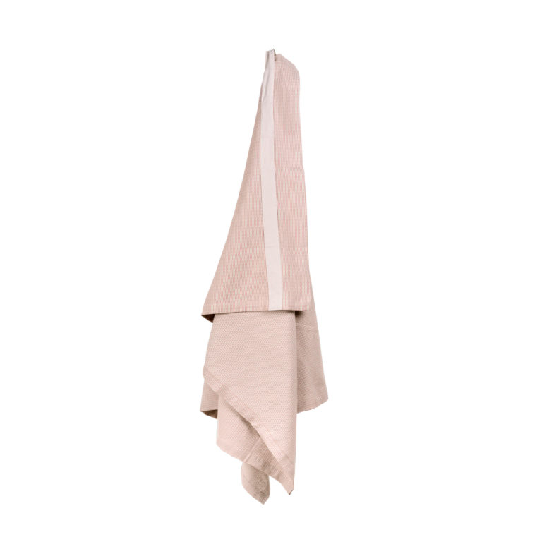 The strap on this extra large bath sheet / wellness towel helps keep it in place when you wrap it around you, and of course lets you hang it up.