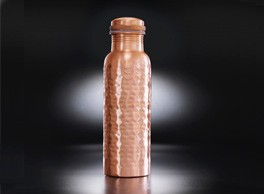 Copper bottles ion charge your water, giving it antioxidant, anti-inflammatory and anti-microbial properties. Copper bottles by Yogibeings, hand crafted by artisans, are available on chalkandmoss.com.