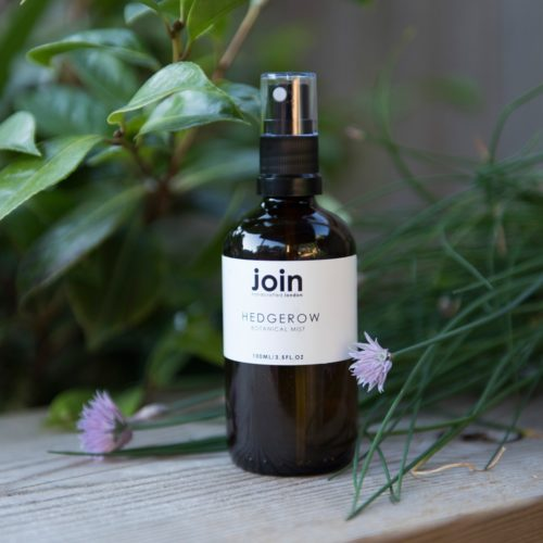 Room spray Hedgerow fragrance; an understated yet luxurious with a smooth blend of organic neroli, rose & basil essential oils and carrier oil. Perfect for spraying around a room, freshen up pillows and linen and can even used as an antibacterial spray for yoga mats. 100ml in an amber glass bottle.