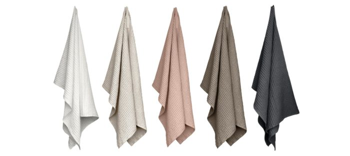 Big waffle towel and blanket, in luxurious yet earthy clay, dark grey, stone rose, stone and natural white. 150 x 100cm