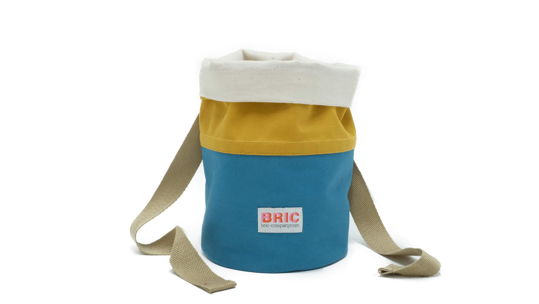 Foraging bag with belt loop and sash Bric