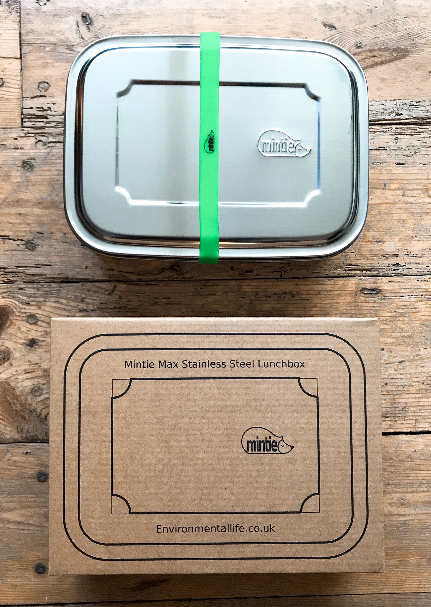 The Mintie Max is has a grand capacity of 1.8 litres, making it the ideal lunchbox for larger appetites, storing left-overs or refilling goods at your favourite zero-waste store. Measures 22.5cm x 17cm x 17cm The full Mintie collection of stainless steel lunch boxes, storage boxes and water bottles can be seen at chalkandmoss.com/brands/mintie.