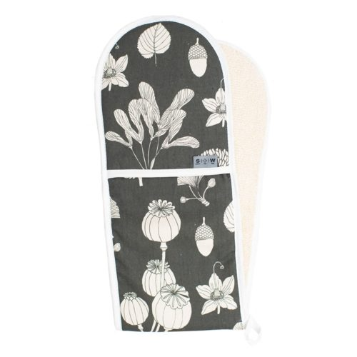 Do you want some fun and style in the kitchen? Grey double oven gloves with leaf pattern. Heat-resistant cotton. Designed and made in the UK. 84 x 20cm.