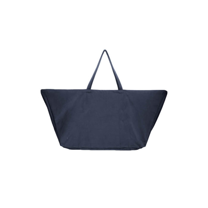 Carry your life around in style with this large overnight bag in organic cotton. This huge bag is practical and unique, perfect as a day bag, or used for going to yoga, the gym. The large size also makes it suitable as a lightweight weekend bag. Available in clay, black, dark blue and stone (seen here in dark blue). Size: 90 X 45 X 35 cm