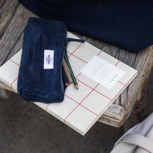 A corduroy pencil case for the eco conscious! Keep your pens and pencils organised while caring for Mother Nature. Made from the finest GOTS certified organic cotton corduroy. 3 earthy colours - dark blue navy, clay and stone white. 22x7x4cm. Designed in Copenhagen by The Organic Company.