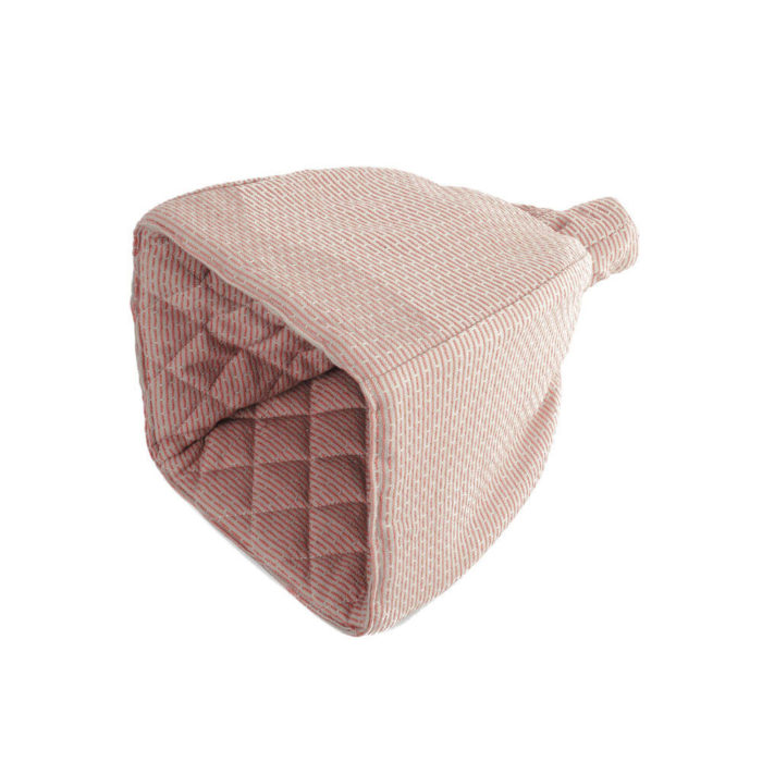 Cotton tea cosy in 100% organic cotton, with ample padding to stylishly keep your tea warm. Grey, rose, blue or earthy clay. Seen here in stone rose.