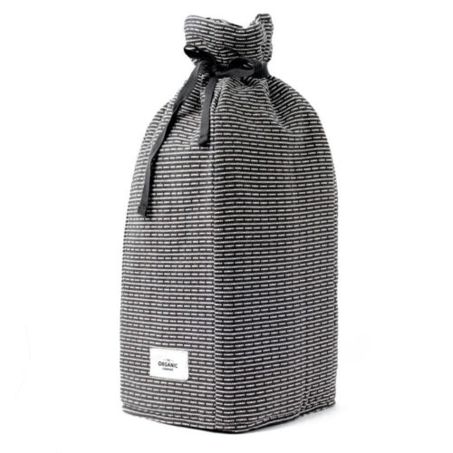 Stylish Scandinavian coffee cosy in padded organic cotton, with a textured piqué weave. Choose from two grey shades. This is evening grey.