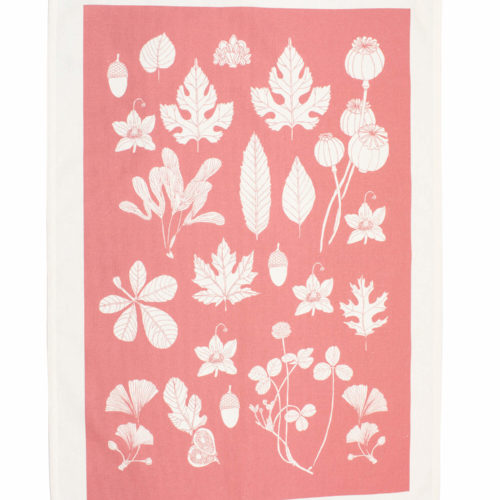Coral pink tea towel by Softer + Wild with artisan designed botanicals, including nuts and leaves. With a distinctly Scandinavian look, this pink kitchen towel is perfect in the rustic or colourful home. The untreated cotton softens with use and washing, making it long-lasting part of your nature connected home. 70 x 50cm